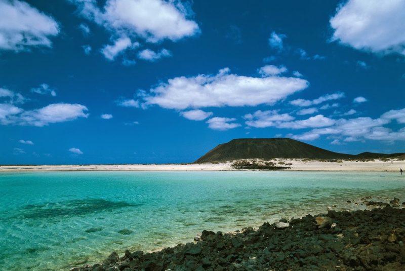 http://www.lascasascanarias.com/blog/2015/04/23/5-places-to-visit-fuerteventura/