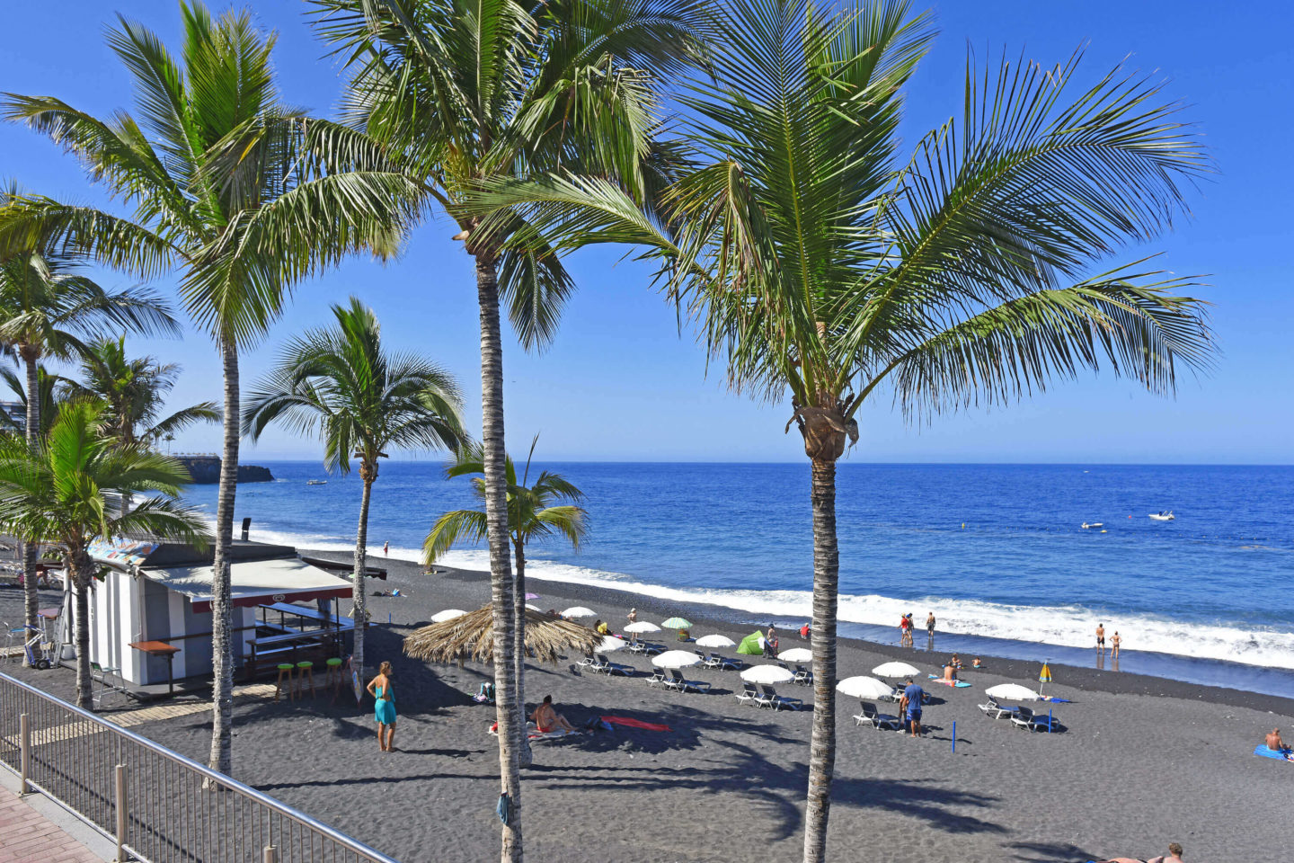 An unforgettable day in the seaside town of Puerto Naos, La Palma