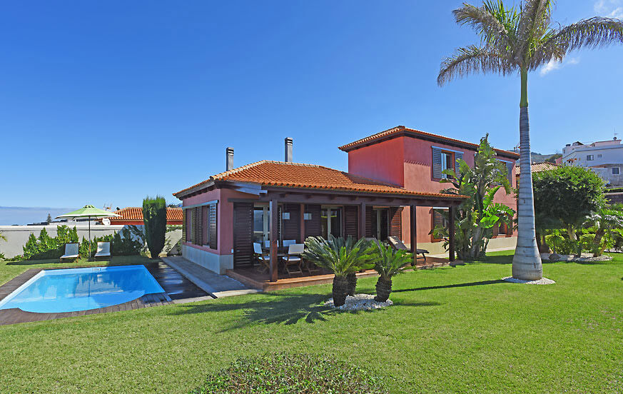 Luxury villa with private pool and spectacular views to the sea and the Teide on the island of Tenerife