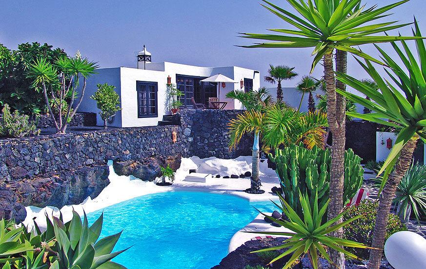 Rustiek vakantiehuis in de buurt in het prachtige vulkanische landschap van het eiland Lanzarote