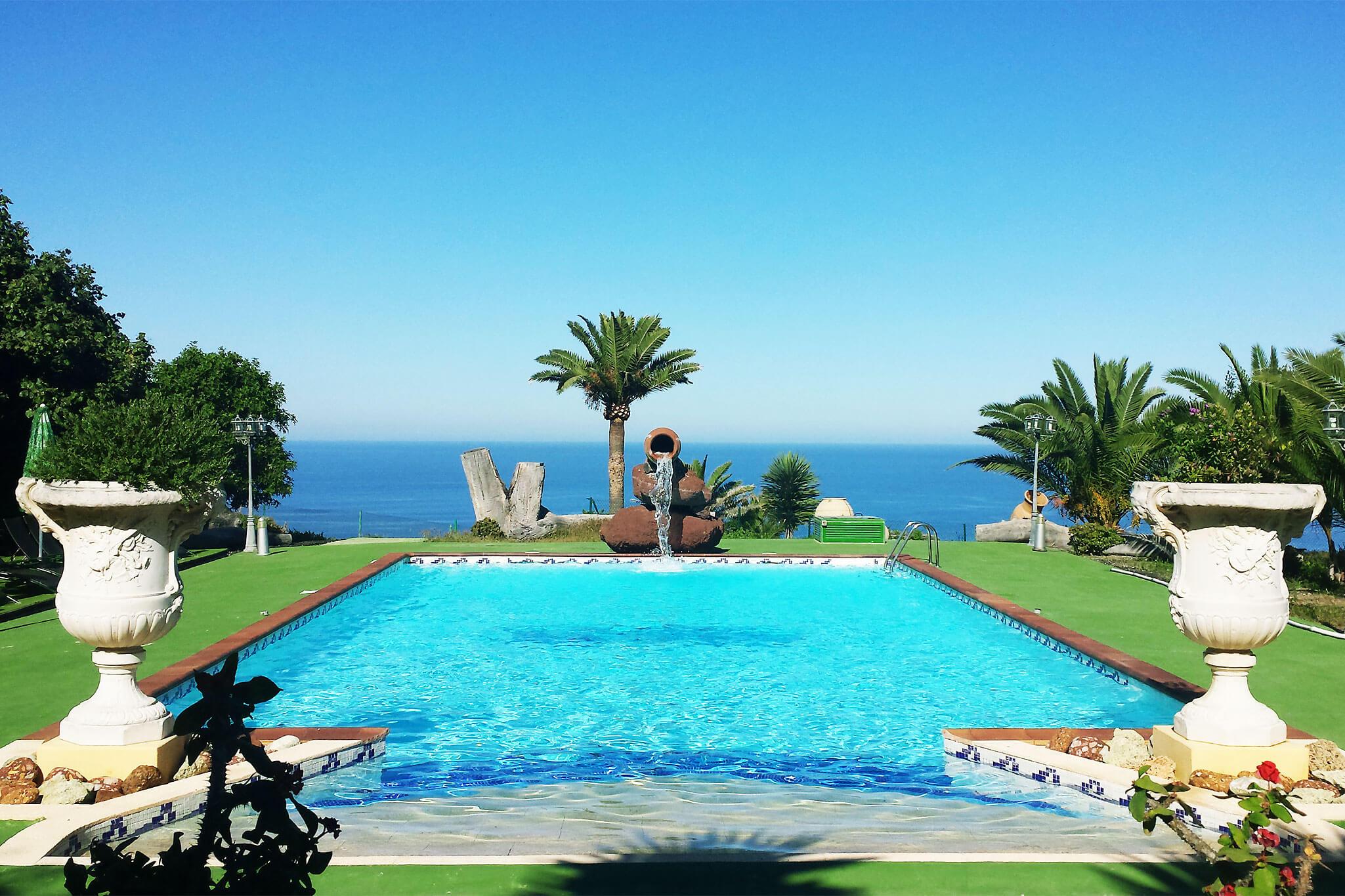 Idyllische vakantiehuis op het platteland met prachtige tuin, terras, fruitbomen en prive zwembad in het noorden van Gran Canaria