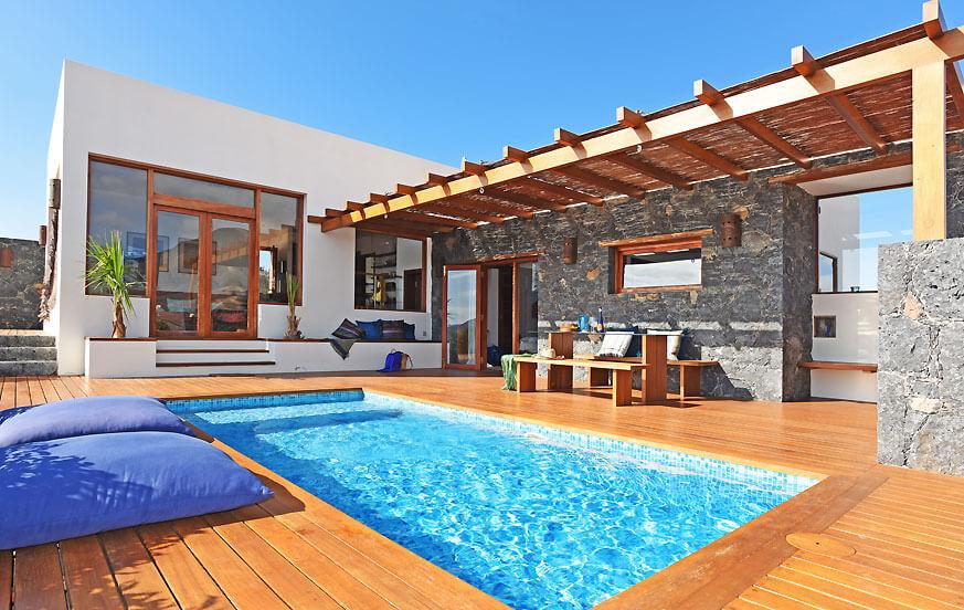 Stilvolle Ferienvilla in Strandnähe mit zwei Schlafzimmern, privatem Pool und herrlichem Blick auf Vulkanlandschaft in Pájara