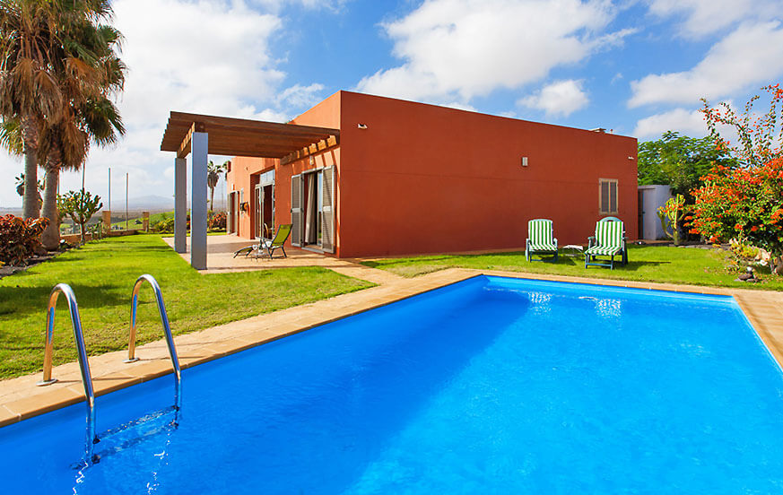 Stylish holiday villa with a beautiful interior courtyard, private pool and magnificent views of the golf course and the sea