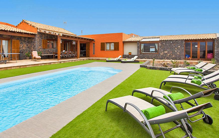 Luksusowa willa z trzema sypialniami z stylowym wystrojem i dużym centrum spa z jacuzzi, sauną i prywatnym basenem, idealnym na relaks