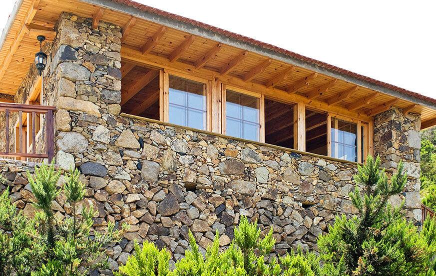 Kaunis kivitalo, jolla on ainutlaatuinen sijainti La Gomeran upean maiseman keskellä, ihanteellinen rentouttavalle lomalle luonnon ympäröimänä