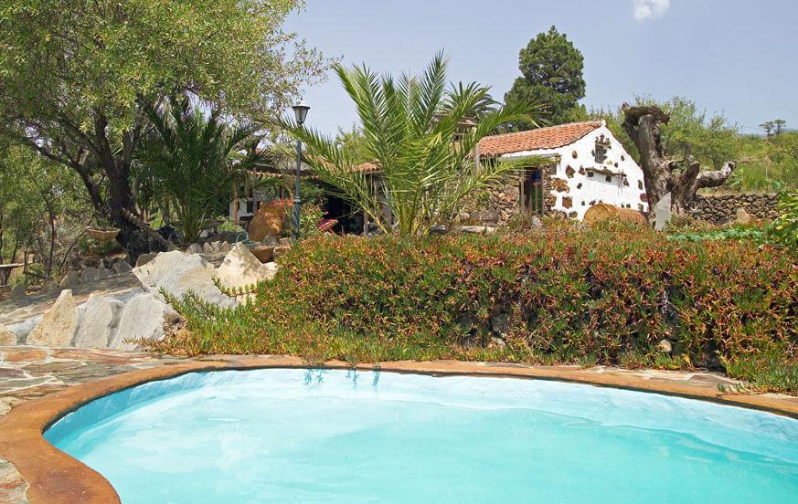 Ontspannende vakantie op het platteland in een traditioneel huis, liefdevol gerestaureerd, met privé zwembad en prachtige tuinen in de omgeving van Puntagorda