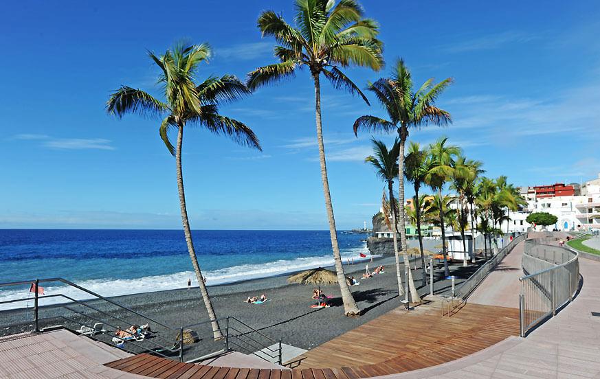 Ładne mieszkanie wakacyjne, dobrze wyposażone i położone w pobliżu promenady plaży Puerto Naos, idealne na relaksujące wakacje na plaży