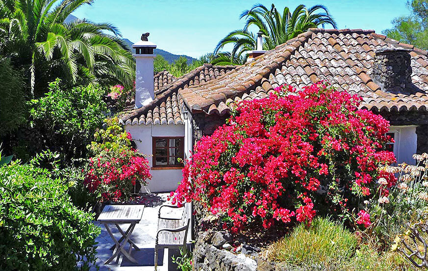 Rustic house lovingly renovated and very well equipped with fireplace and sauna for an unforgettable holiday in the middle of the beautiful landscapes of La Palma