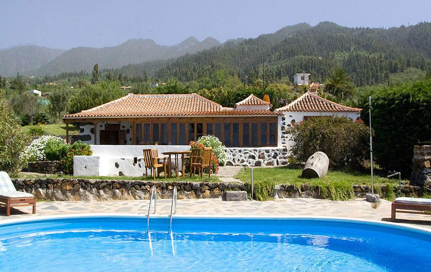 Holiday Tijarafe met prachtig uitzicht op zee vanaf het terras bij het zwembad