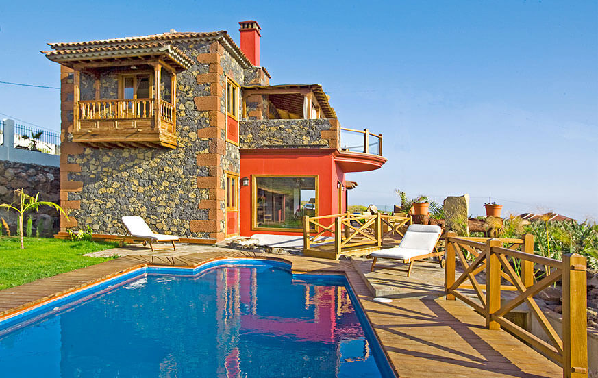 Idyllic stone house with beautiful wooden balconies and private pool in the area of Tijarafe