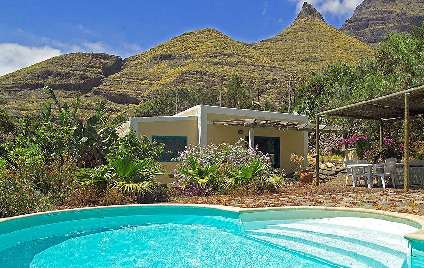 Country house with private pool and rural charm located in the mountains of Agaete in the west of the island
