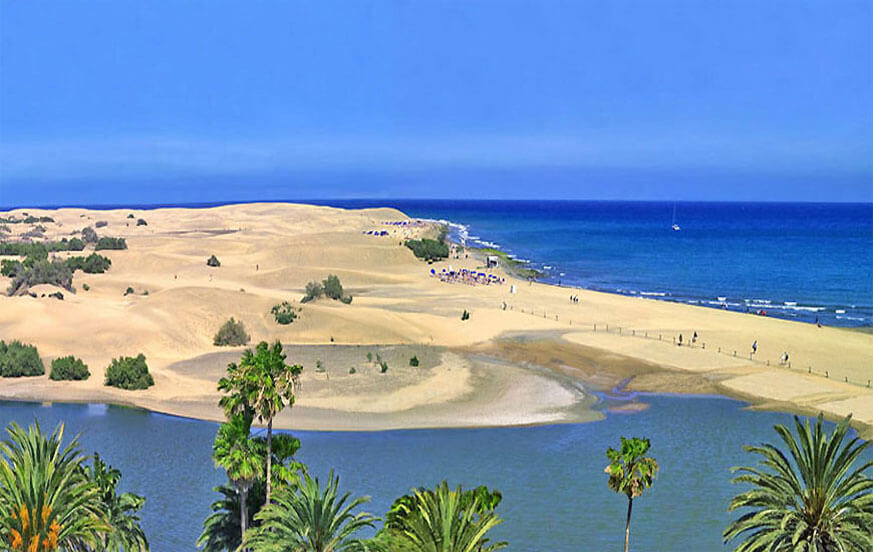 Beautiful apartment to rent in maritime style right at the beach overlooking the beautiful Dunas de Maspalomas
