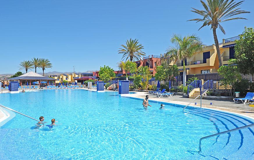 Bungalow med gemensam pool som ligger i ett trevligt bostadsområde i Meloneras bara 200 meter från havet
