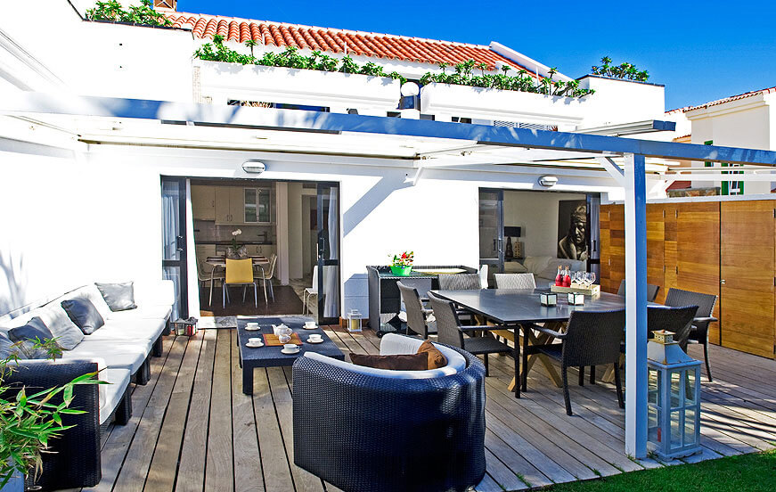 Villa rental in a residential complex with communal pool, beach and marina near Maspalomas in the south of the island