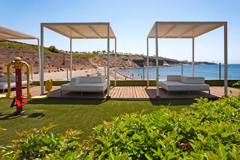 Rymlig 4 sovrum med gemensam pool bara några minuter från stranden och småbåtshamnen i Pasito Blanco