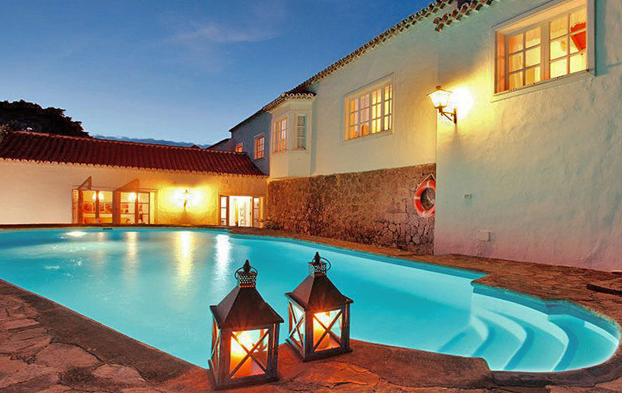 Elegant country house with private swimming pool and pool room located in Agaete in the green northwest of Gran Canaria