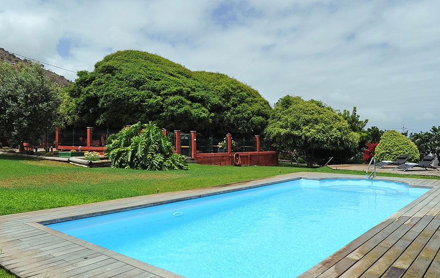 Luxoriöse Villa mit 5 Schlafzimmern, eigenem Pool und Tennisplatz in der schönen Gegend von Arucas im Norden der Insel