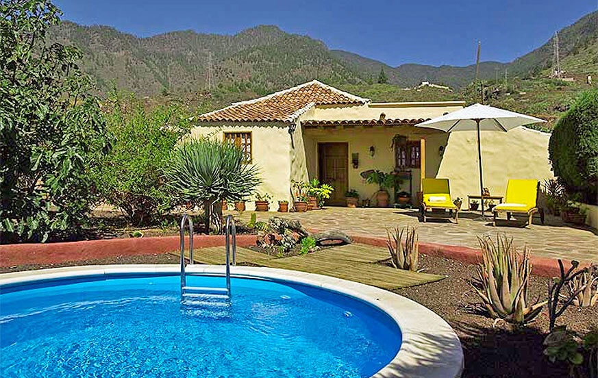 Rustic holiday home with private pool on Tenerife