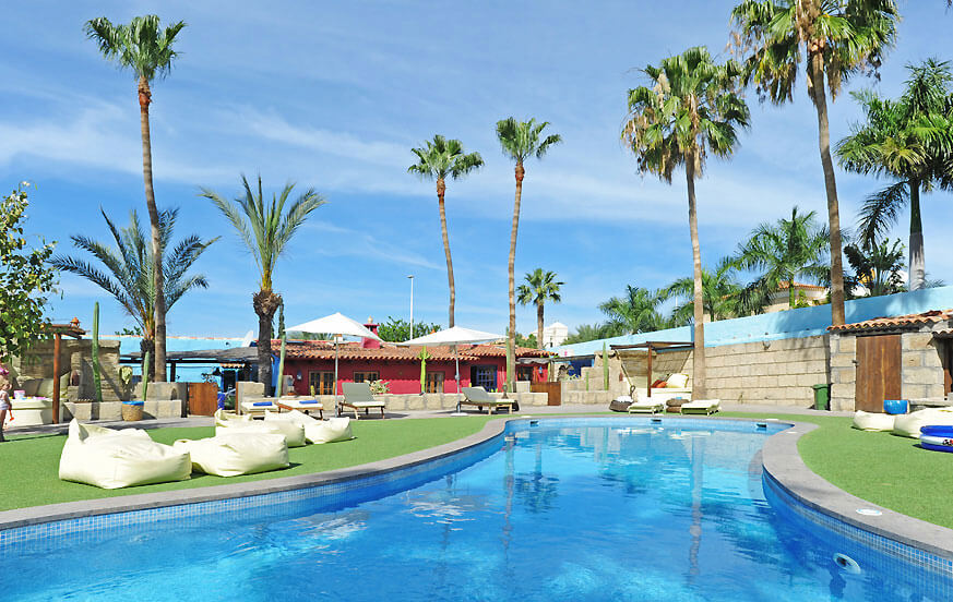 Holiday home with a large communal pool area for a relaxed holiday near the beaches of Tenerife