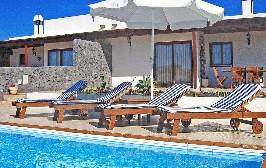 Nice kahden makuuhuoneen huvila puutarha ja oma uima-allas on kaunis keinona laitamilla Playa Blanca