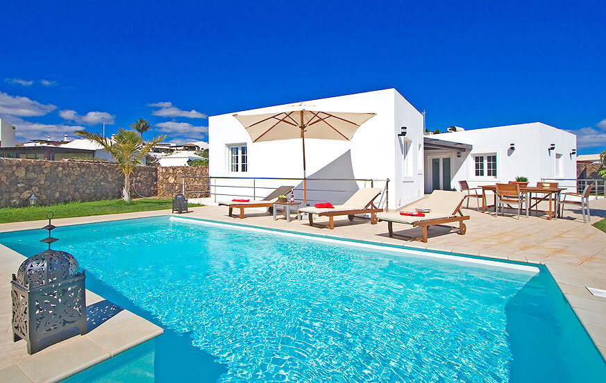 Three bedroom luxury villa, tastefully decorated and with heatable private pool in a beautiful location near the coast