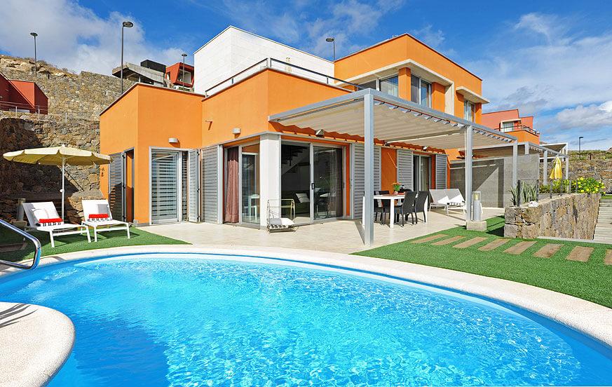 Villa mit zwei Schlafzimmern und eigenem Pool im gepflegten Komplex Vista Golf mit Blick auf die Berge und den Golfplatz