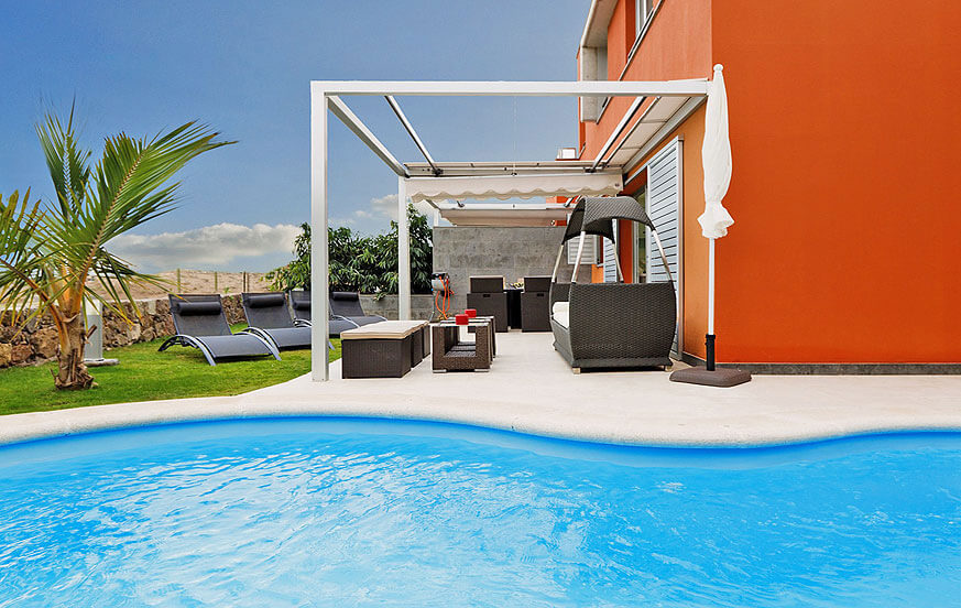 Nice villa with pool directly at the golf course with a stylish design and a nice outside area with heatable private pool
