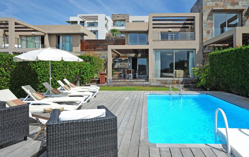 Moderne Villa mit 3 Schlafzimmern, hellem Interieur, beheizbarem Pool und einem herrlichen Blick auf den Golfplatz
