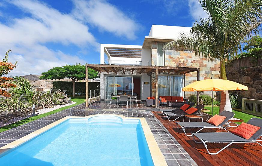 Villa mit zwei Etagen und einem großen Außenbereich mit Privatpool und einem herrlichen Blick auf die Dünen von Maspalomas