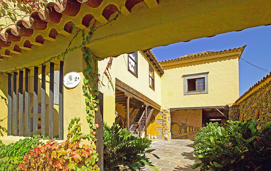 Beautiful country house with swimming pool in a rural area in the charming north of Gran Canaria
