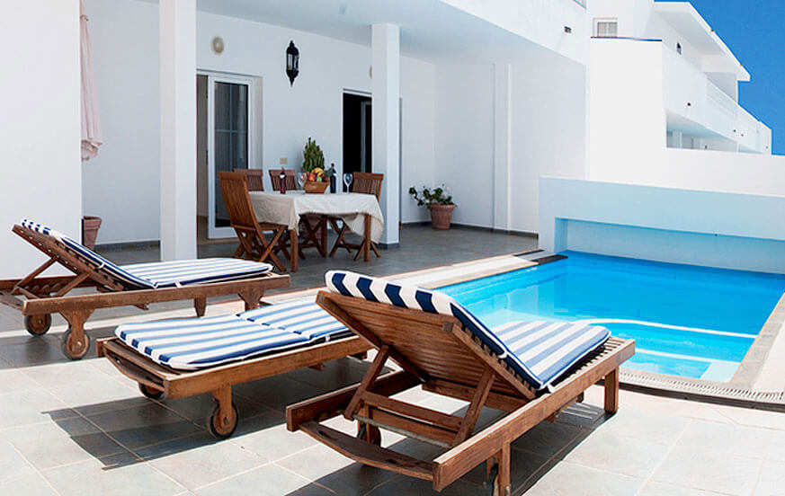 Two bedroom villas with private pool in a well kept holiday complex near the marina