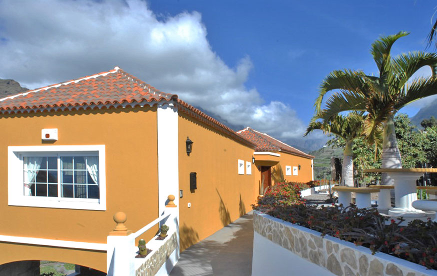 Fritidshus nära hamnen i Tazacorte med spektakulär utsikt över bergen och havet