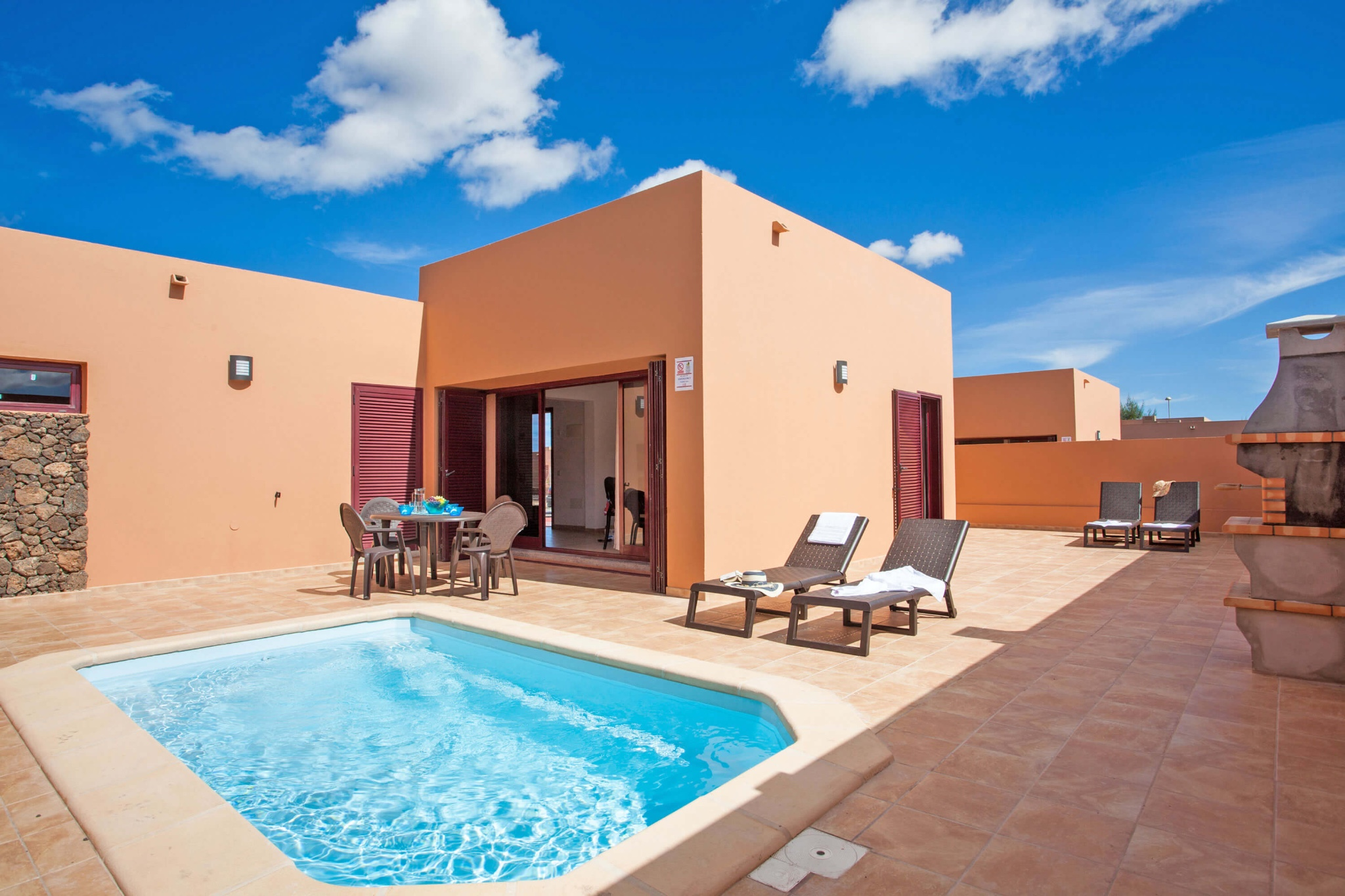 Complex of cozy villas with private pool and two bedrooms near Corralejo