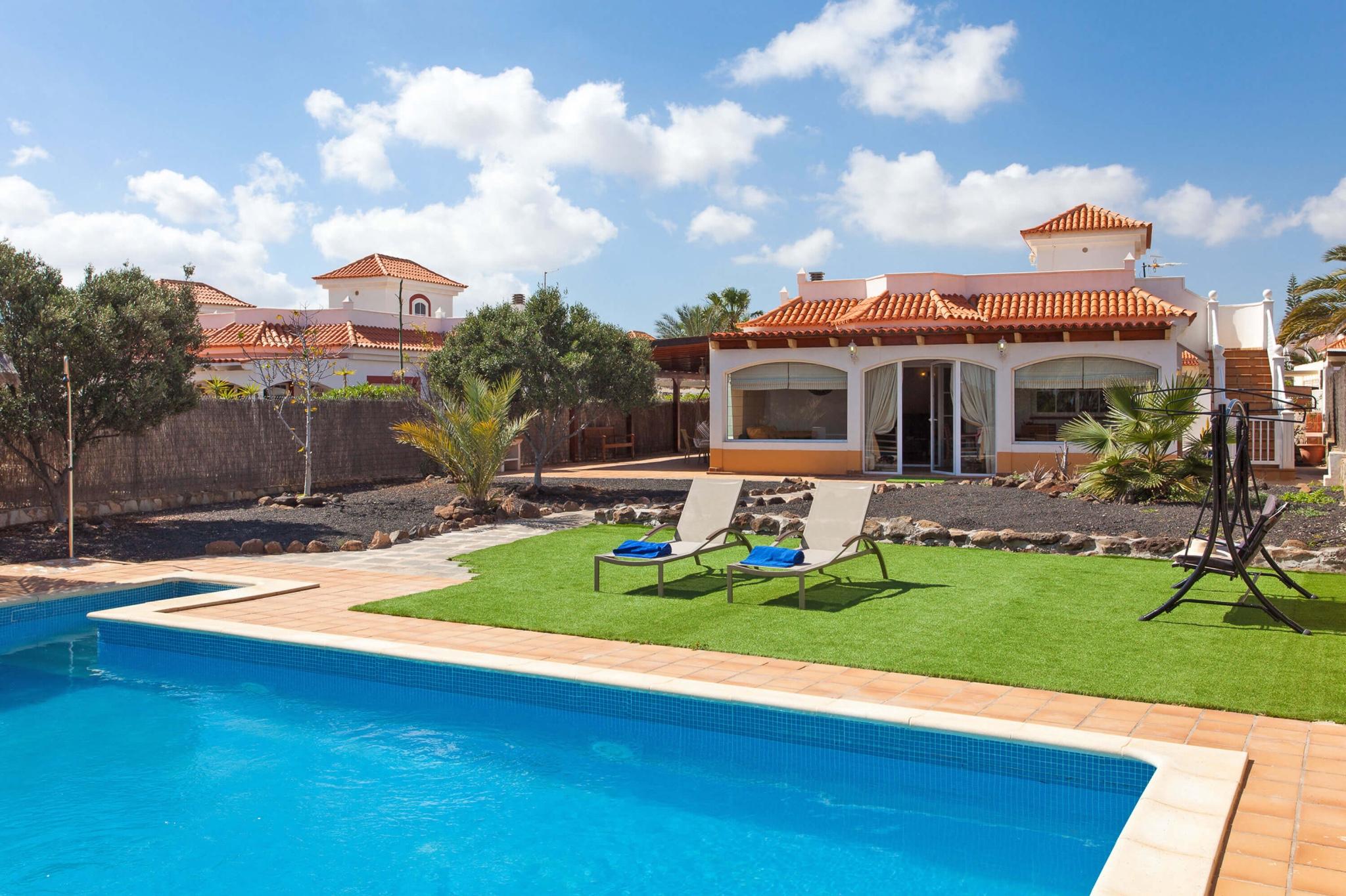 Geräumige und schöne Villa mit 4 Schlafzimmern und Privatpool nahe des Golfplatzes Fuerteventura Golf Club