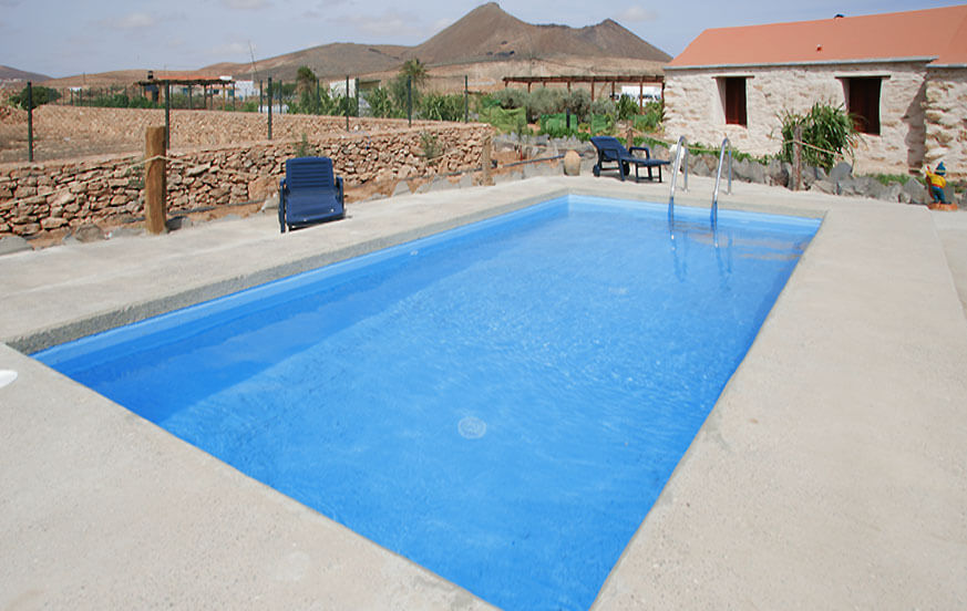 Pleasant rustic-style holiday home with communal pool on a large finca in a beautiful setting