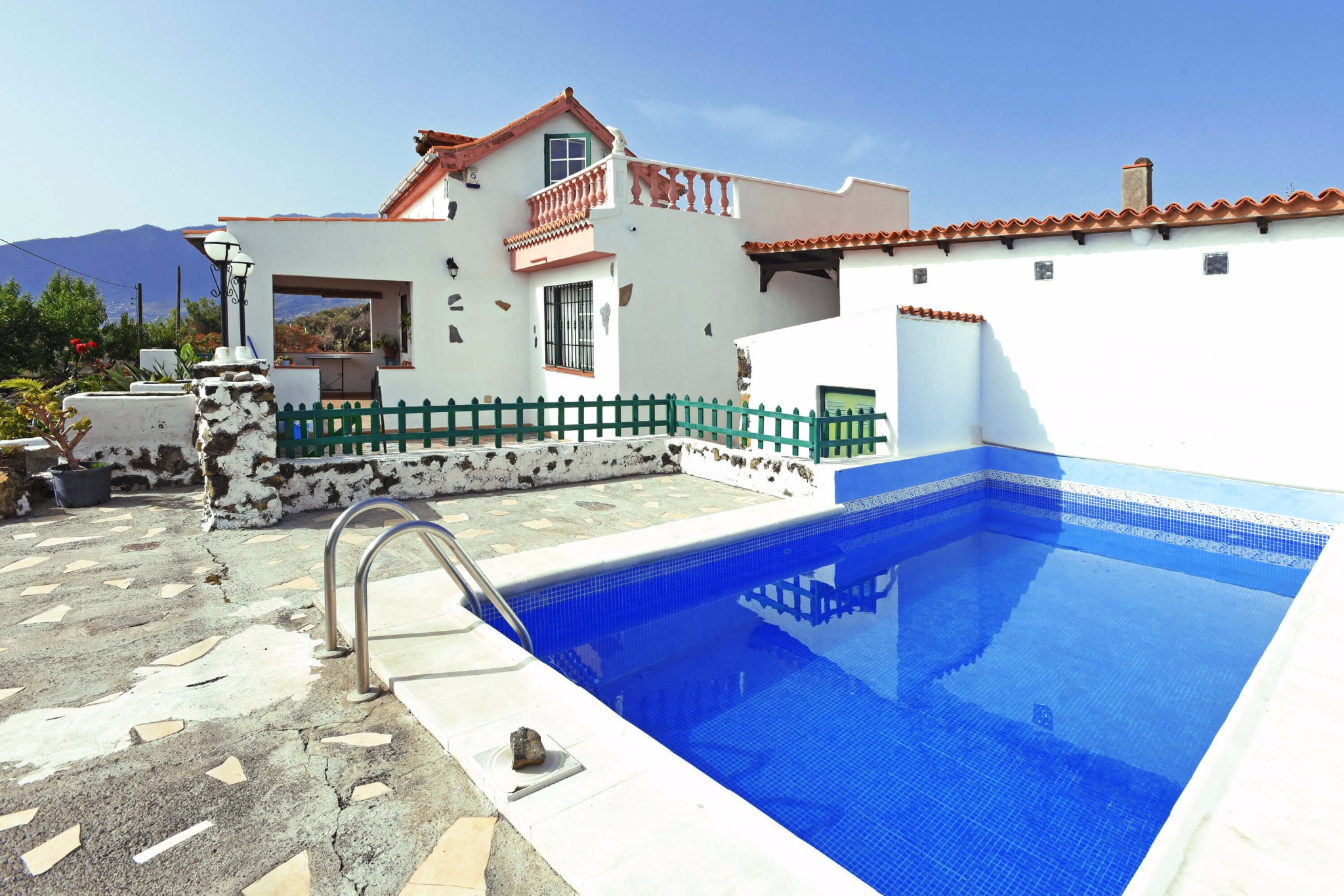 Authentic rural house with all amenities and private pool in a pleasant environment of Los Llanos