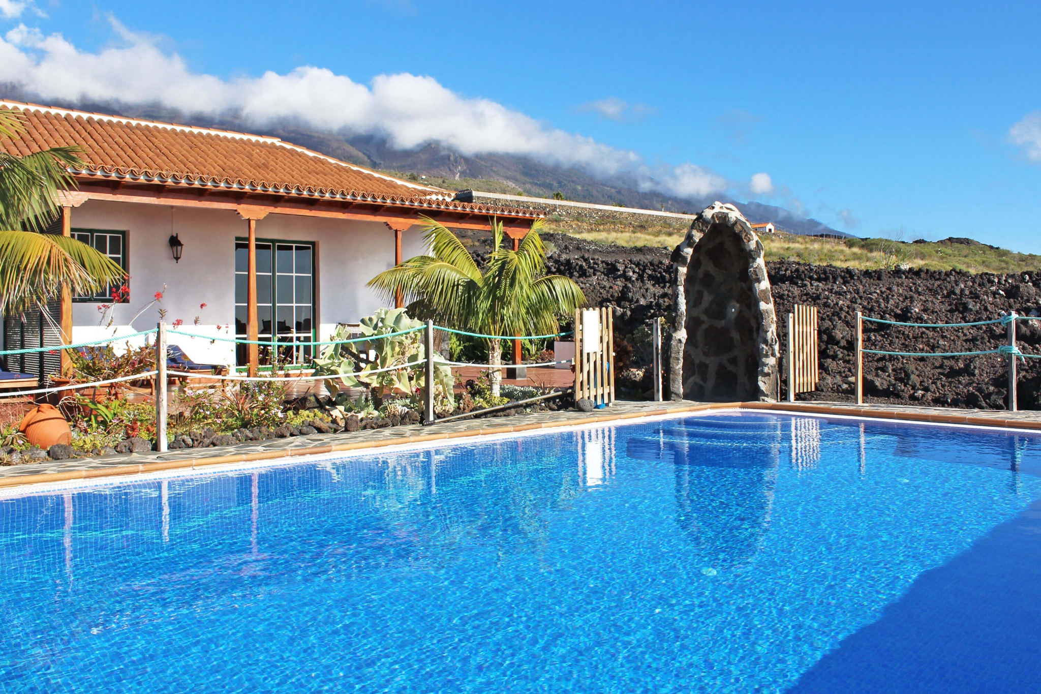 Holiday apartment with big community pool terrace for a relaxing holiday in La Palma