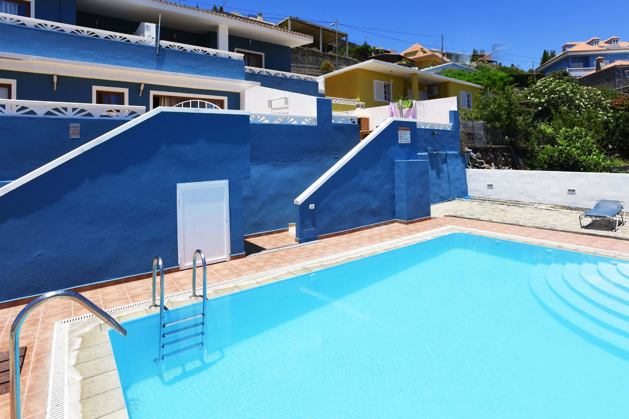 Beautiful holiday apartment for 6 people with communal pool and wonderful view towards the sea and the mountains