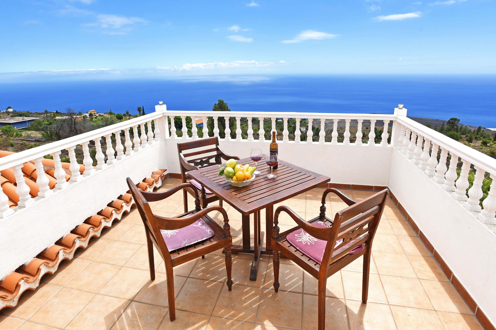 Holiday apartment on the island of La Palma with communal pool and beautiful views towards the Atlantic.