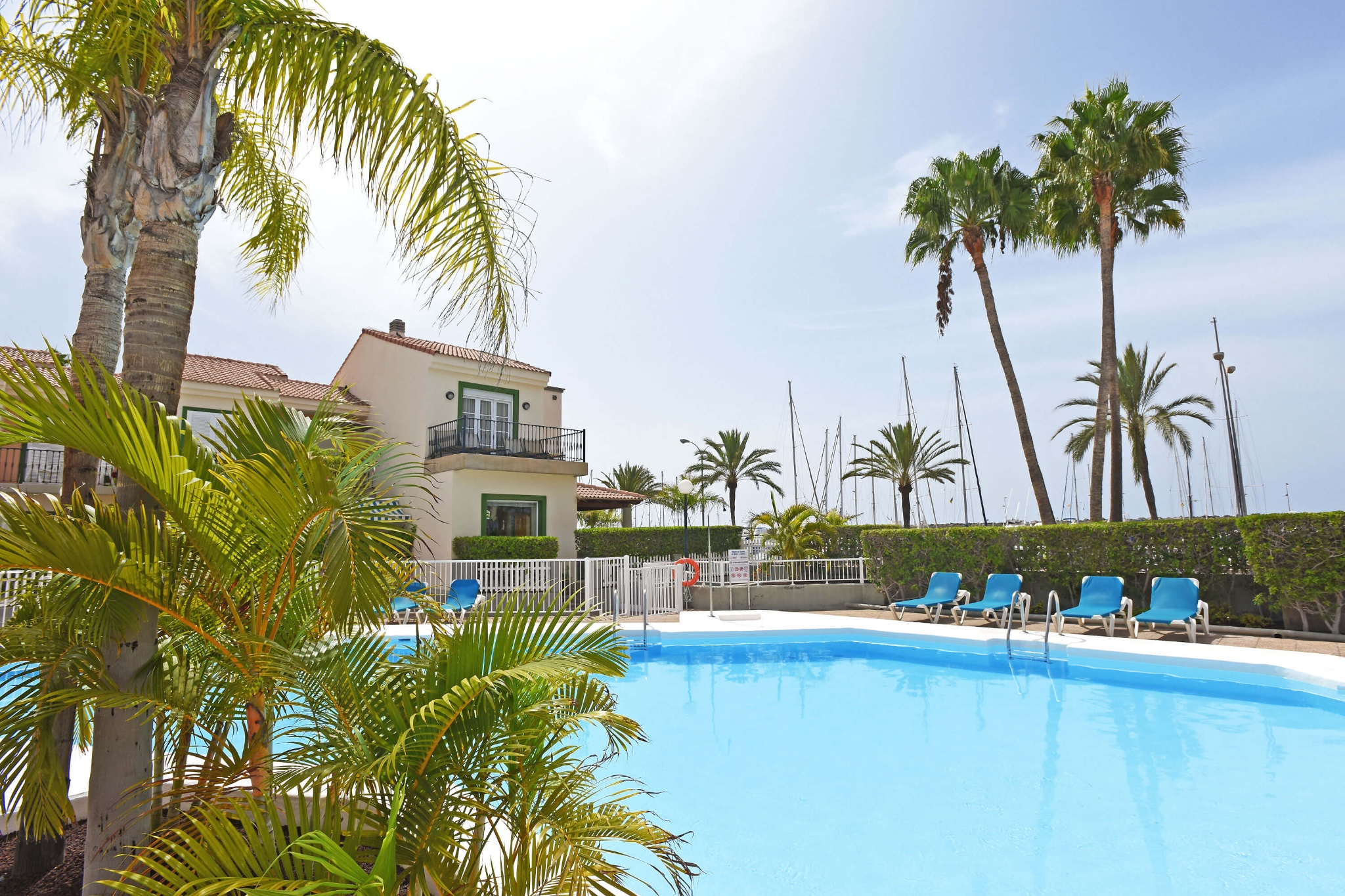 Very nice and comfortable holiday home by the sea in the well-kept complex of the Pasito Blanco marina in the south of Gran Canaria
