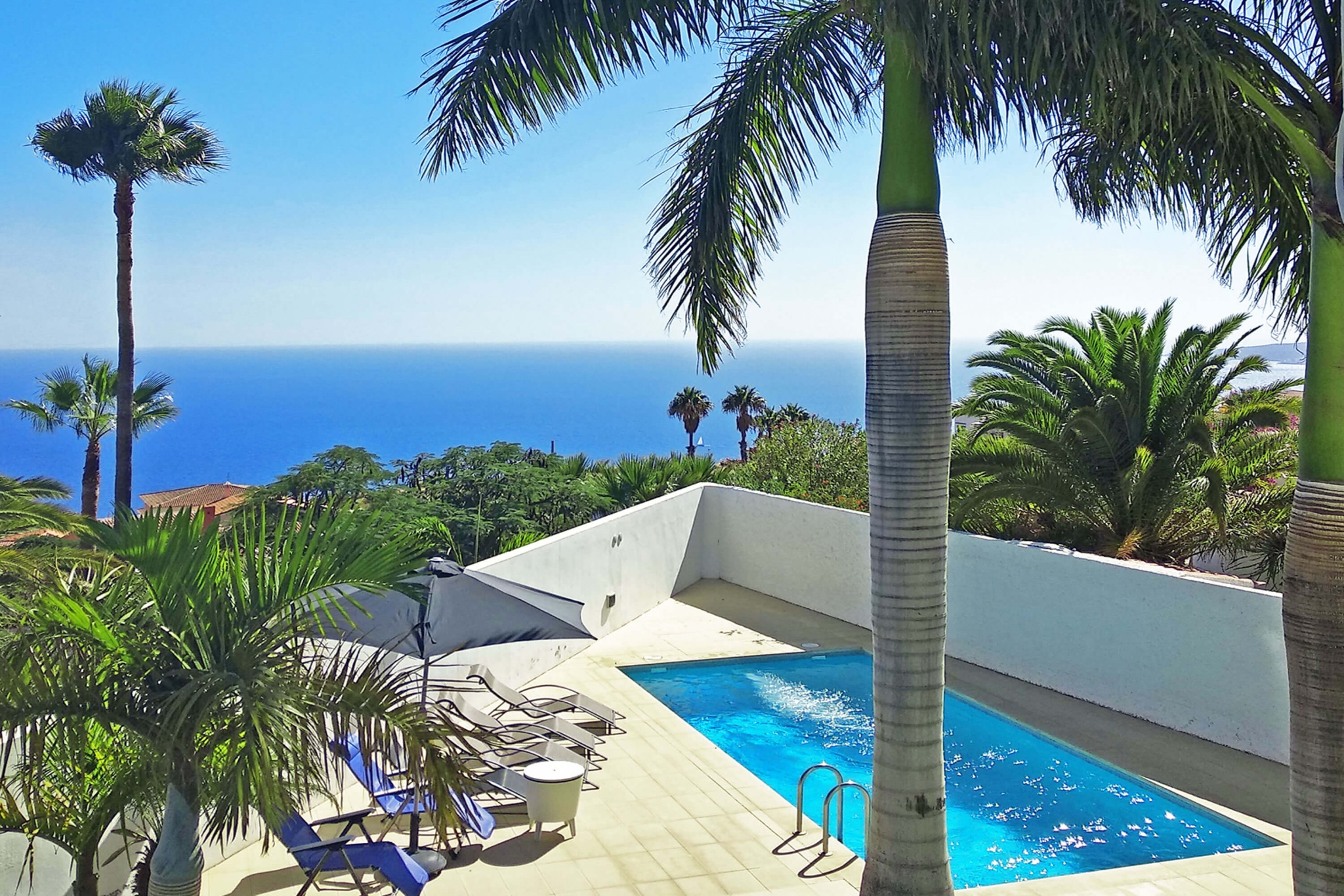 Modern luxury villa with private pool and spectacular sea views near the capital Santa Cruz de Tenerife