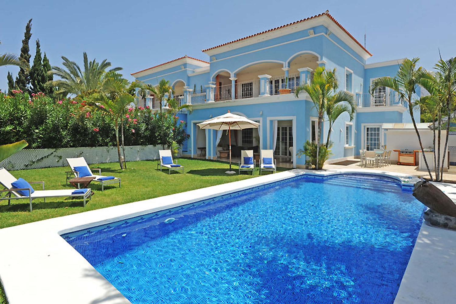 Luxury villa with a large private pool area in Costa Adeje in the south of Tenerife