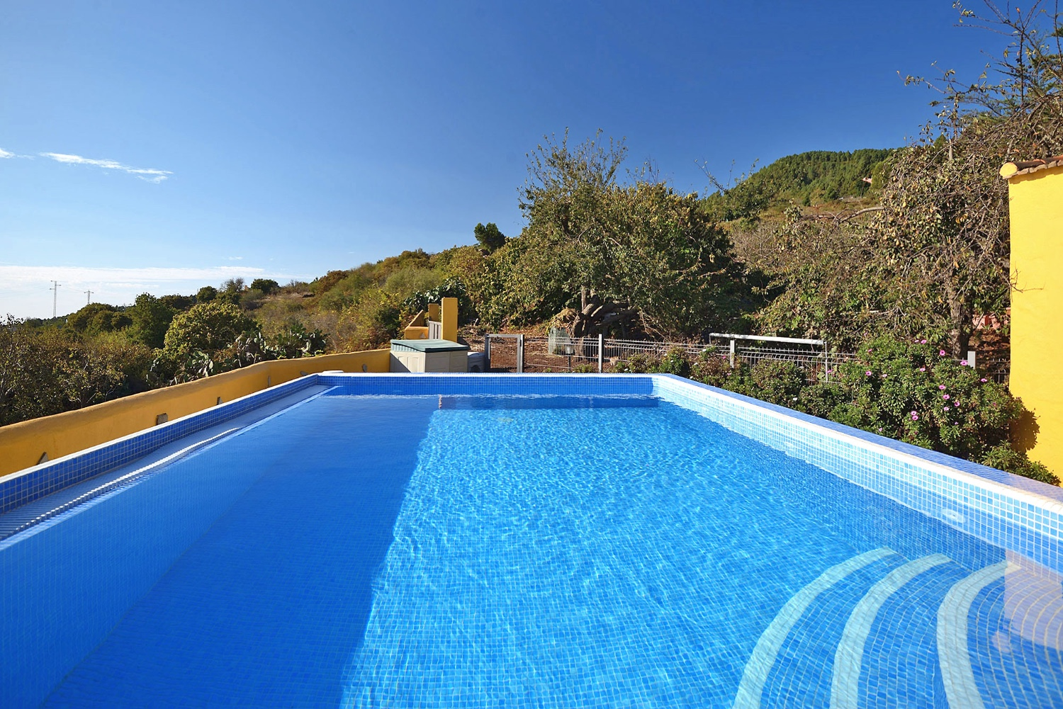Rustic and with great attention to detail equipped holiday house with private pool in the green north of Tenerife