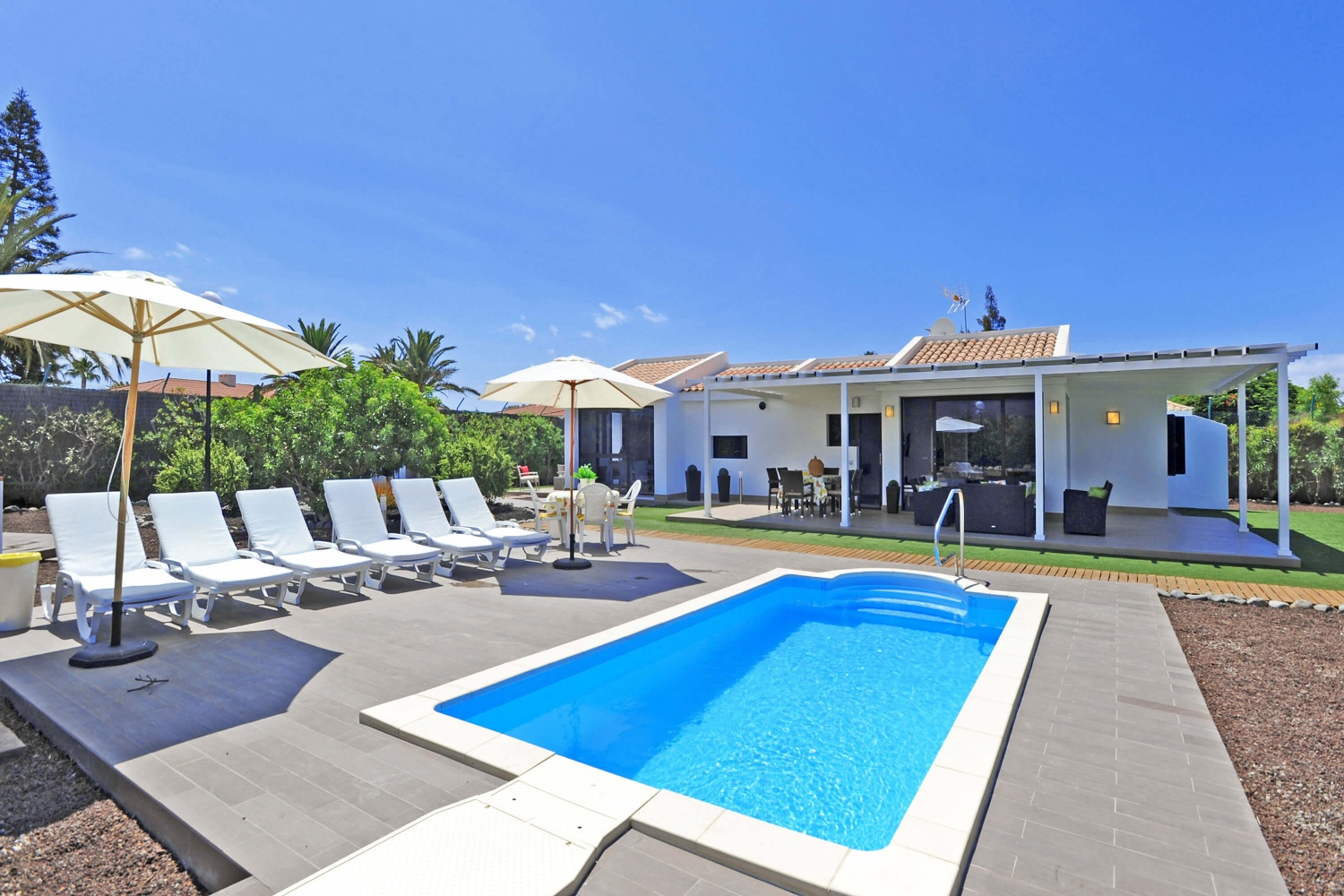 Modern holiday villa with private pool near to the golf course and the beach of Maspalomas