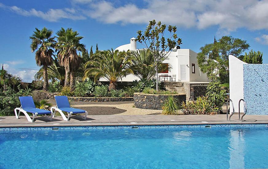 Lyxiga fritidshus med stor privat pool och havsutsikt i La Palm
