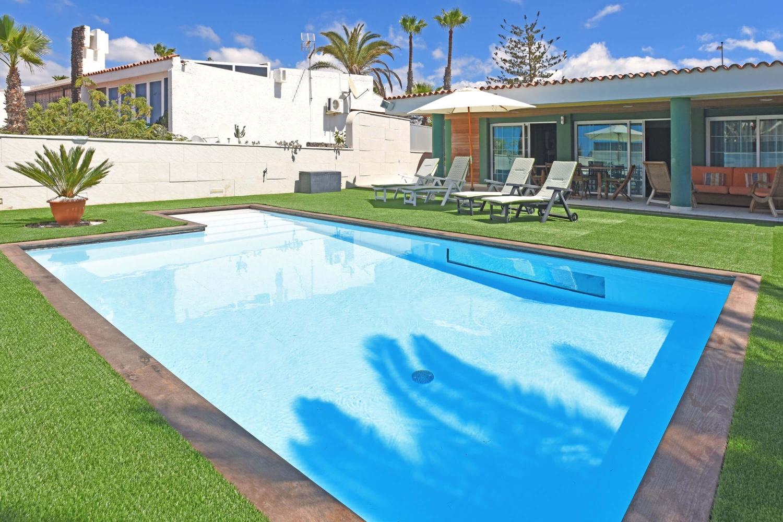 Vacker villa med rymliga rum och privat pool i närheten av Playa del Ingles på Gran Canaria
