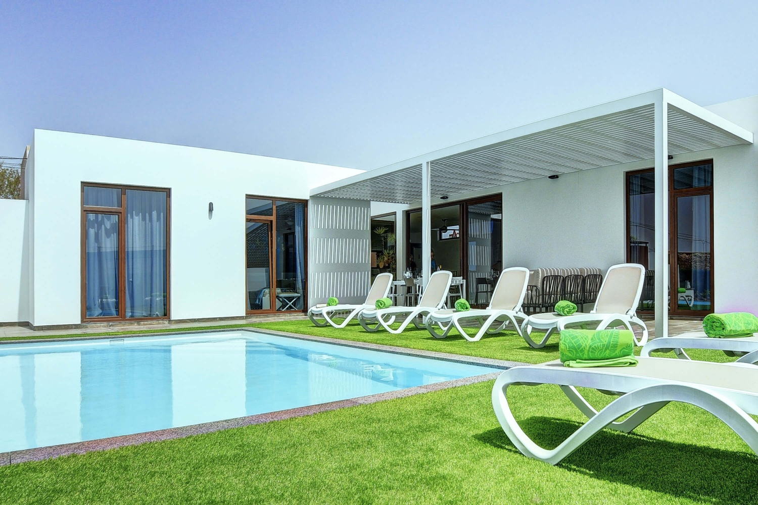 Nice villa on one floor with 3 bedrooms and private pool in the center of Fuerteventura