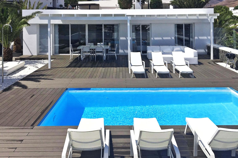 Vakker 3-roms villa med utsikt over havet og Fuerteventura, nær de berømte Papagayo-strendene og sentrum av Playa Blanca.