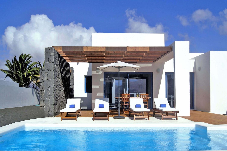 Villa mit privatem beheizbarem Pool, WLAN, Klimaanlage, 2 Terrassen und toller Aussicht