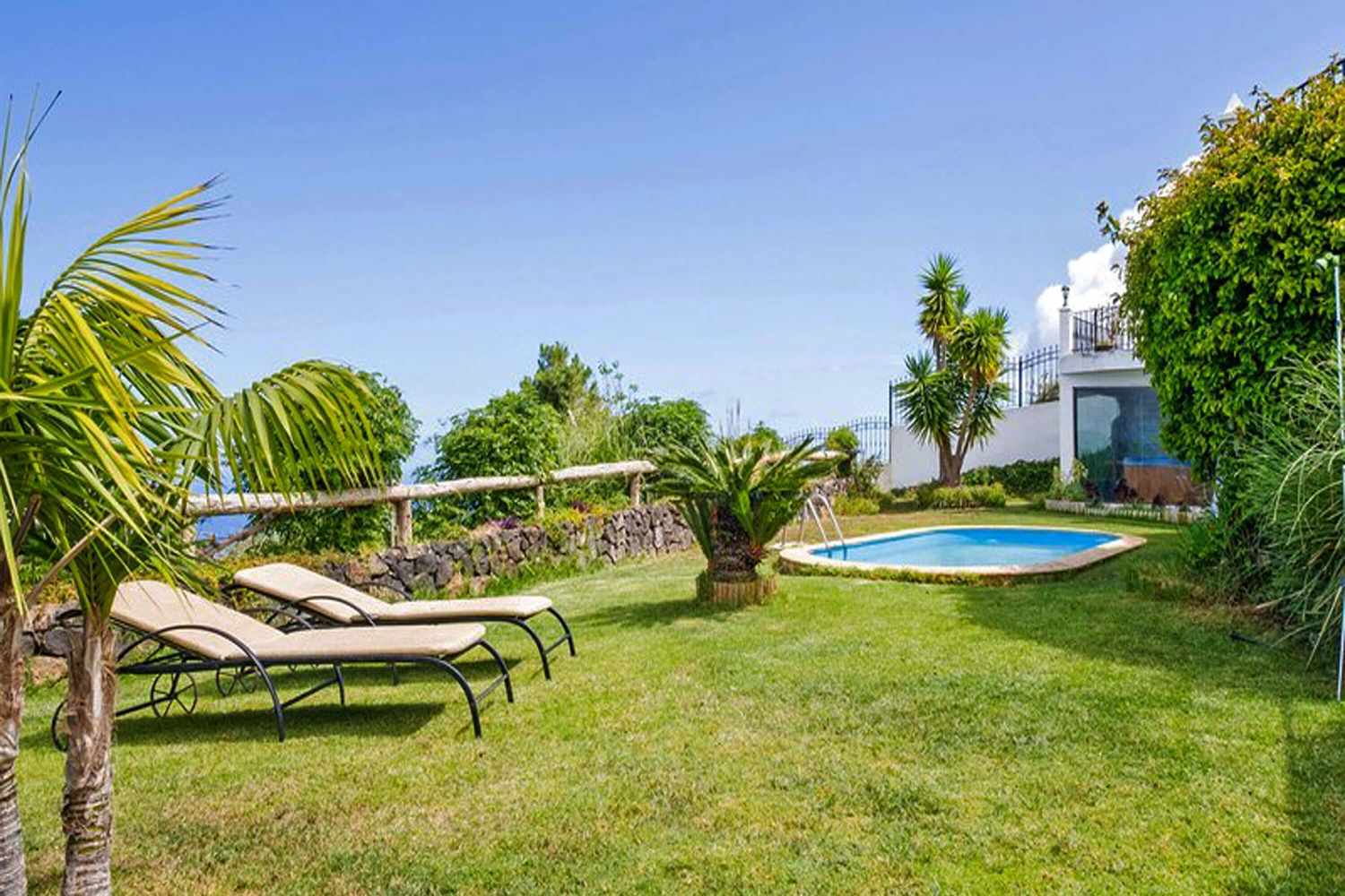 Romantic holiday home with private pool for a relaxing holiday in the north of Tenerife